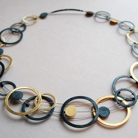 Naszyjnik krótki na trzech linkach – srebro patynowane i srebro pozłacane, zapięcie sztyft