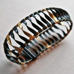 Bransoleta czarno-złota, srebro patynowane i srebro pozłacane, zapięcie magnetyczne