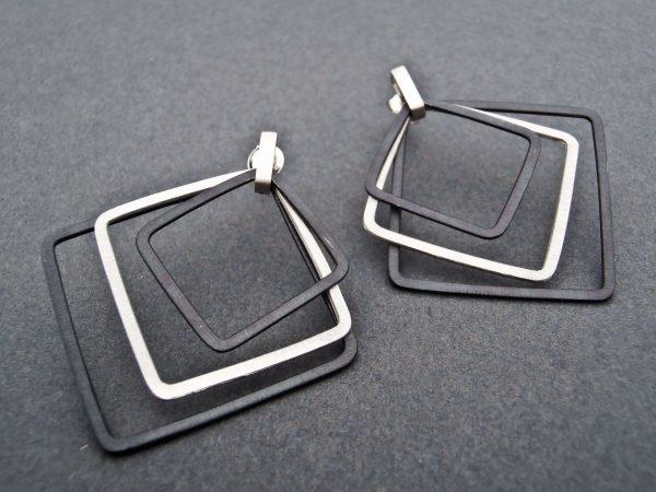 Kolczyki Atena- czarno srebrne